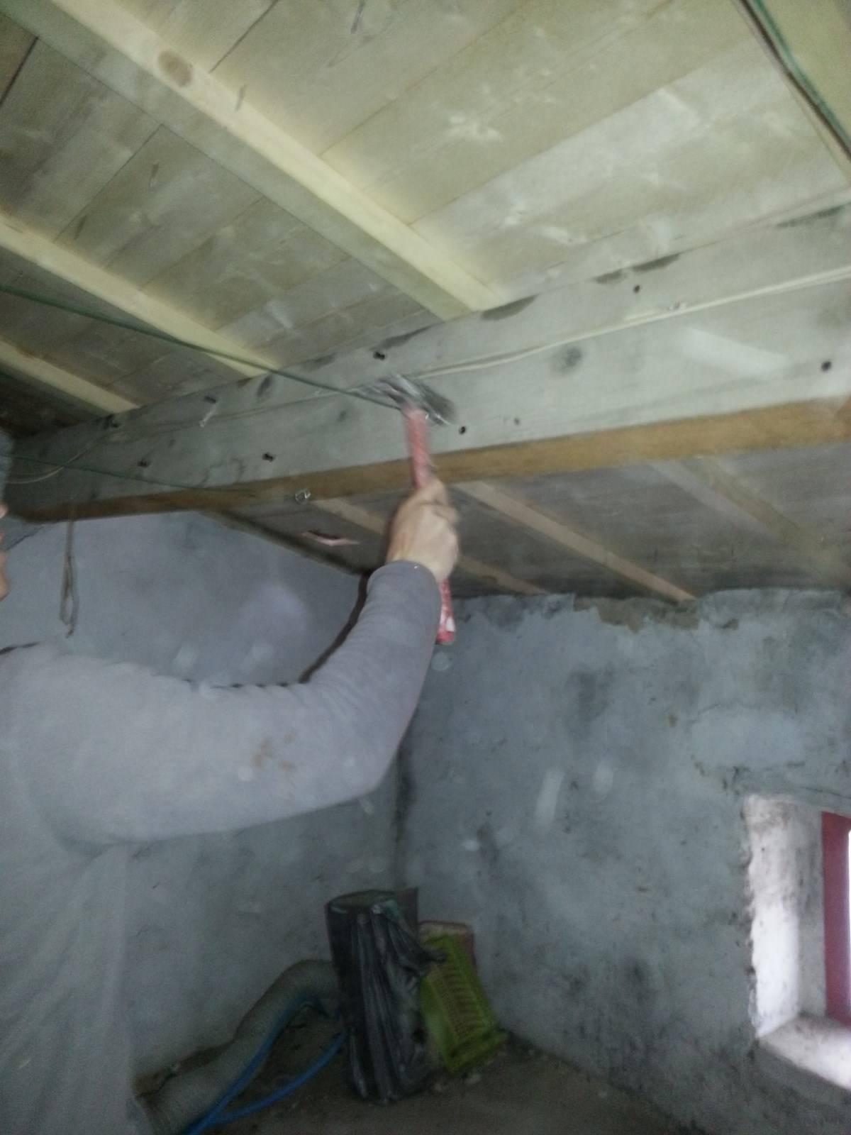 traitement des bois de charpente par nos couvreurs. Black Bedroom Furniture Sets. Home Design Ideas