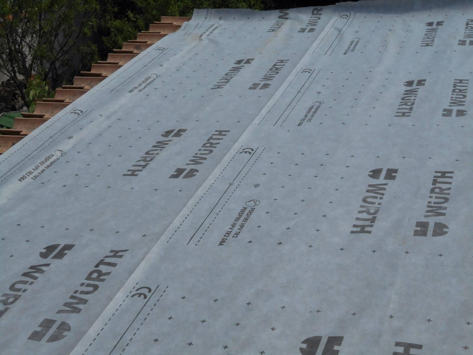 R novation d une toiture en tuile m canique par nos for Pose ecran sous toiture par l interieur
