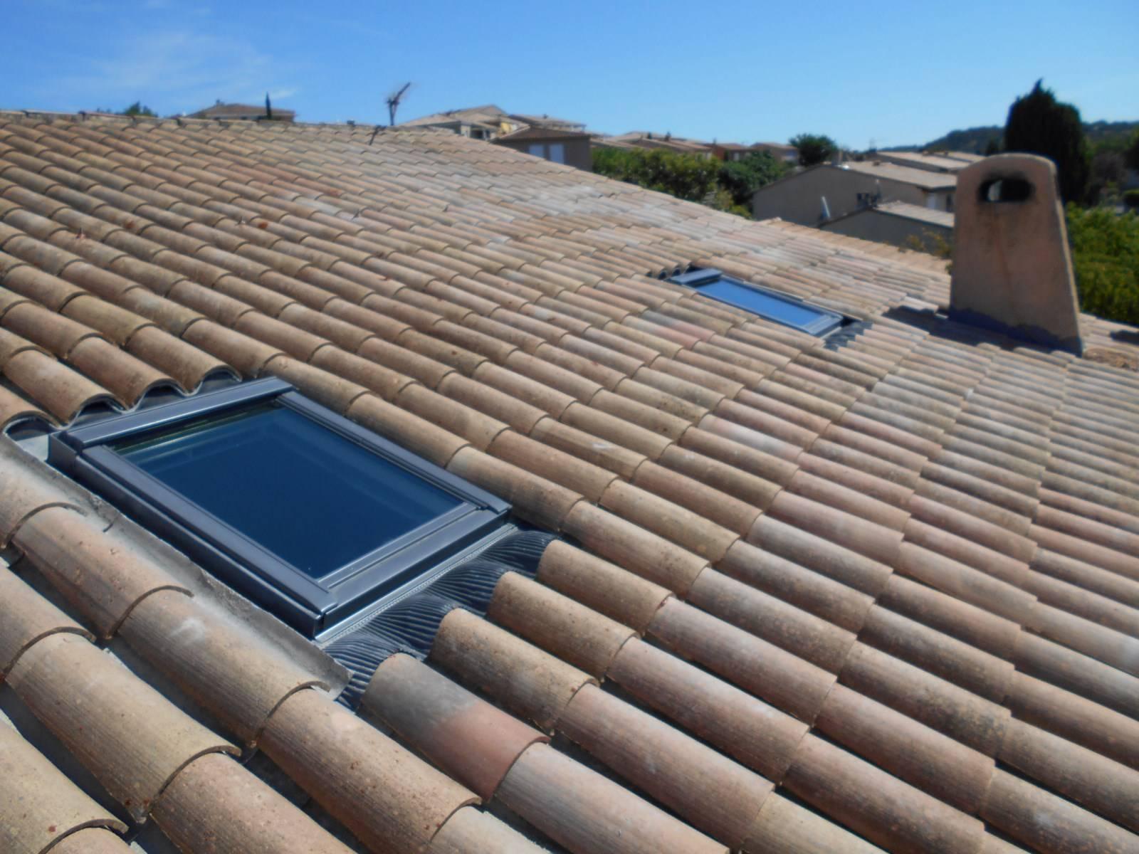 installation de fenetre de toit velux par nos couvreurs. Black Bedroom Furniture Sets. Home Design Ideas