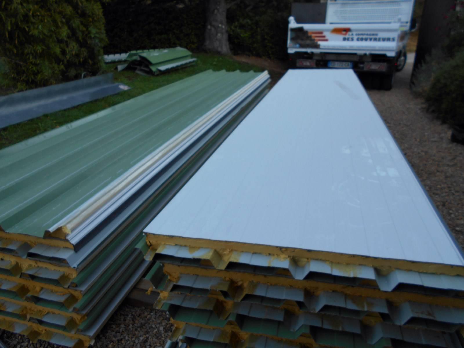r novation d 39 une toiture en couverture bac acier par nos artisans couvreurs zingueurs sur aix en. Black Bedroom Furniture Sets. Home Design Ideas
