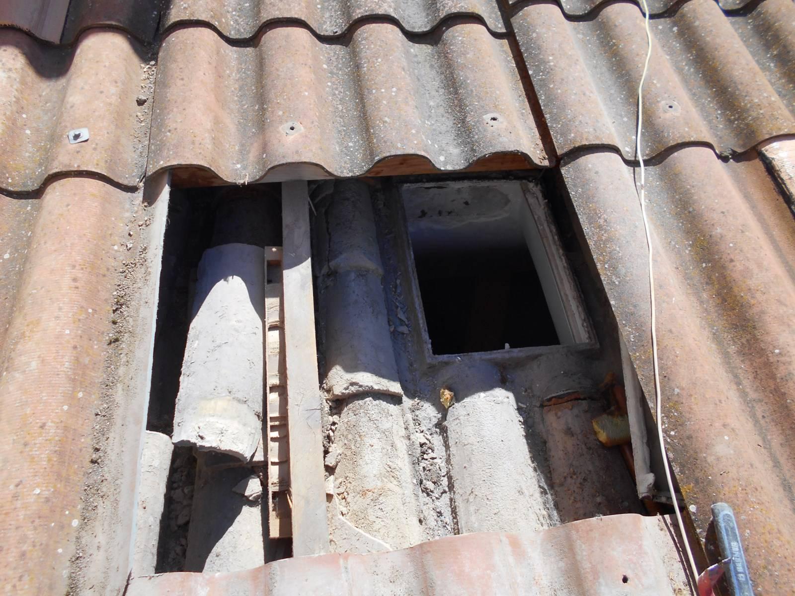 Remplacement d 39 une ancienne fen tre de toit par un velux for Isolation fenetre ancienne