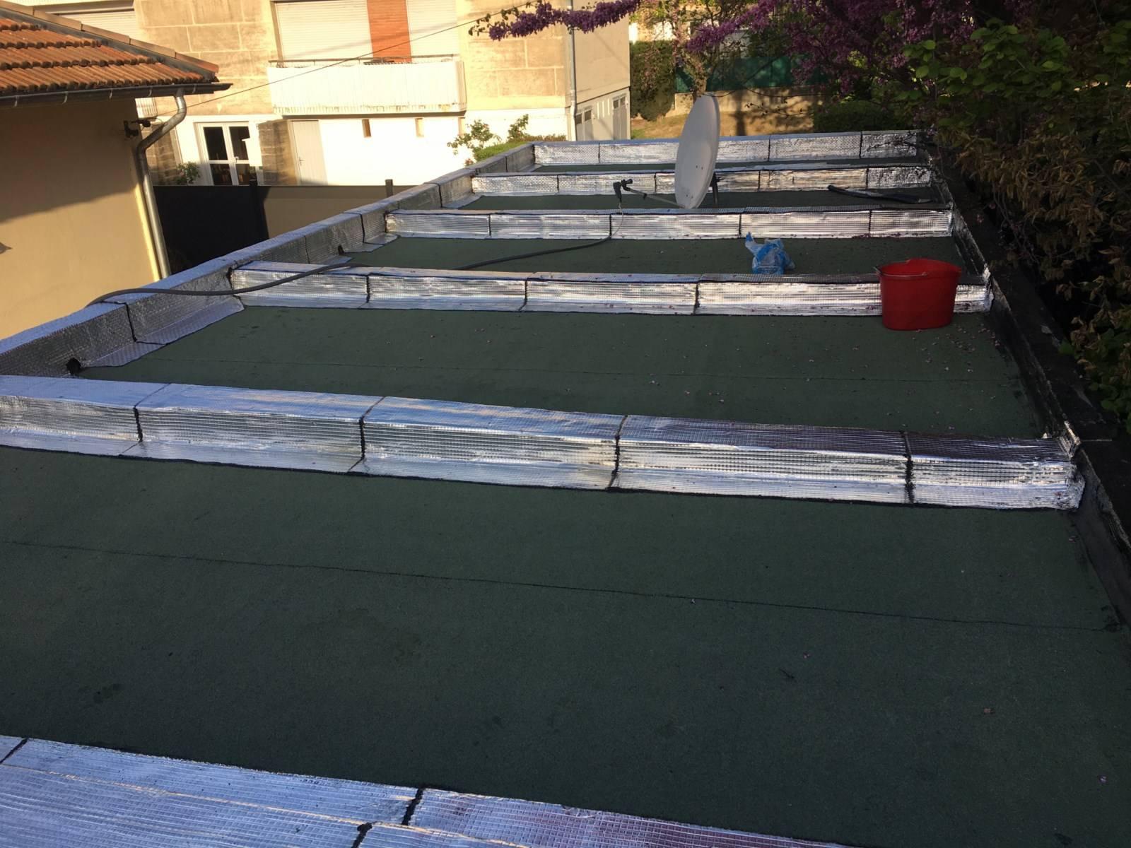 tanch it d 39 un toit terrasse aix en provence par nos. Black Bedroom Furniture Sets. Home Design Ideas