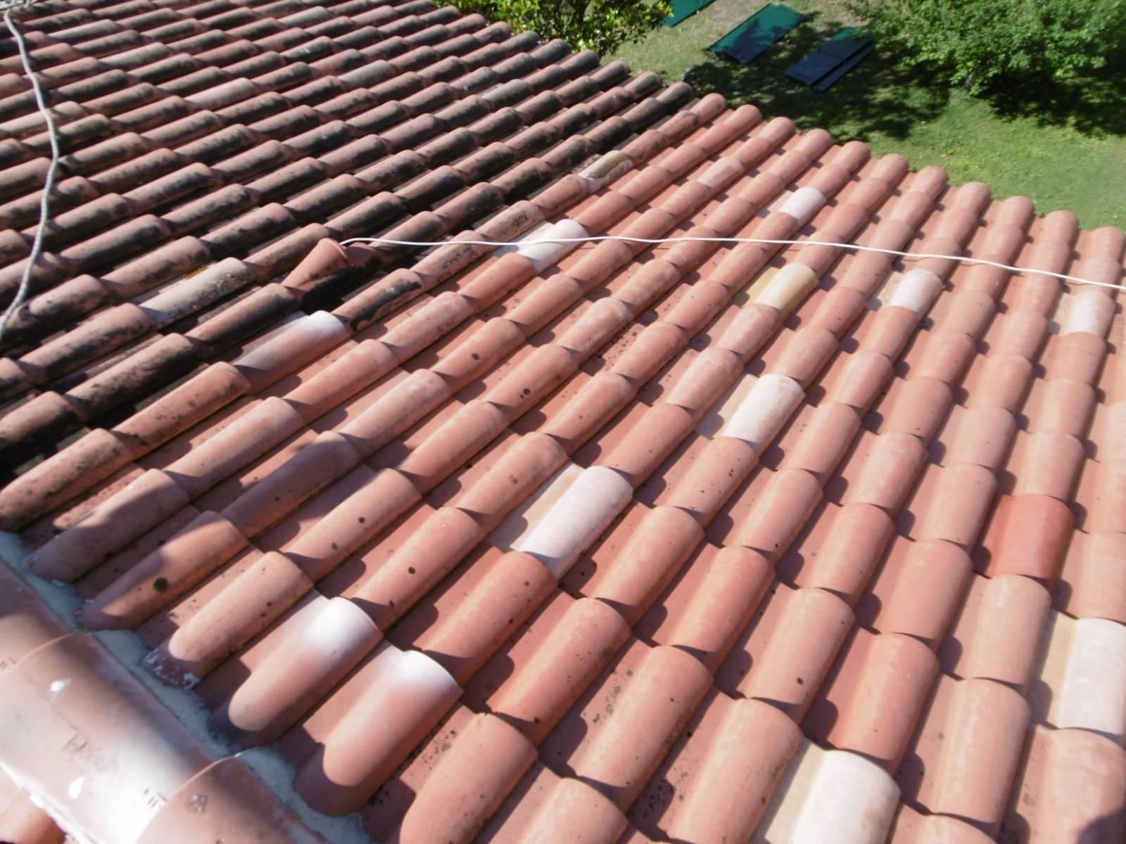 nettoyage et entretien d 39 une toiture sur la commune de velaux 13880 dans les bouches du rh ne. Black Bedroom Furniture Sets. Home Design Ideas